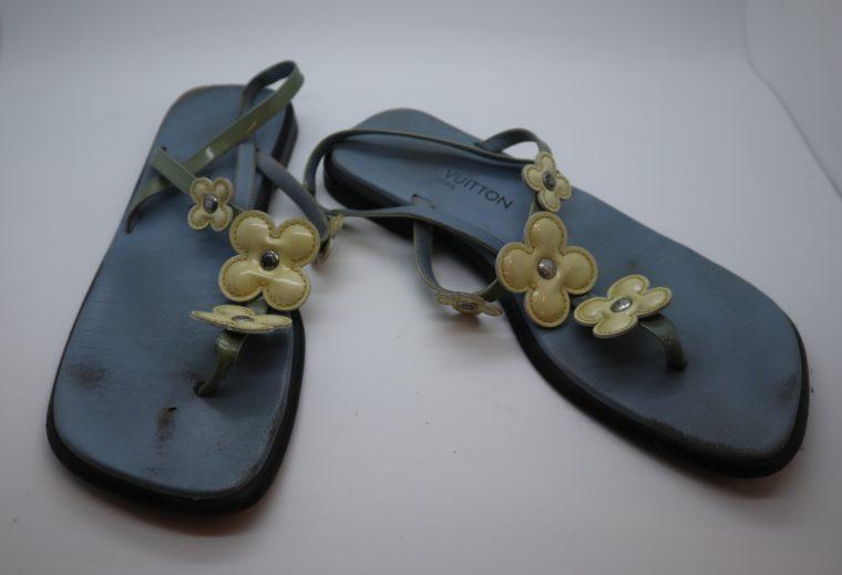 Louis Vuitton Sandalen Flip Flops blau 38-14426