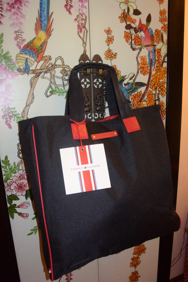 NEU Tommy Hilfiger Tasche blau-4037