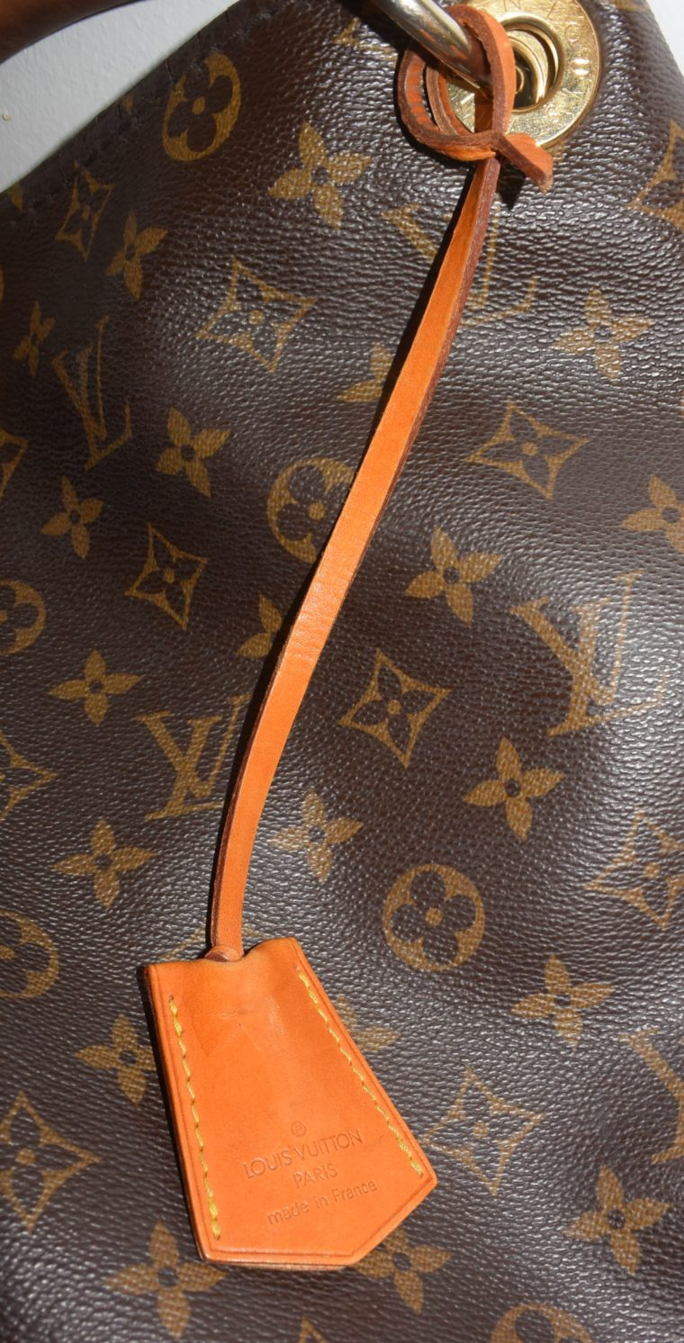 Louis Vuitton Anhänger Schlüsselglocke VVN Leder beige-6463