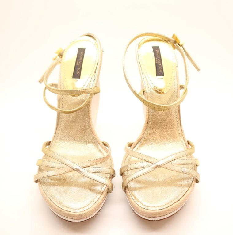 Louis Vuitton Pumps gold 38-14652