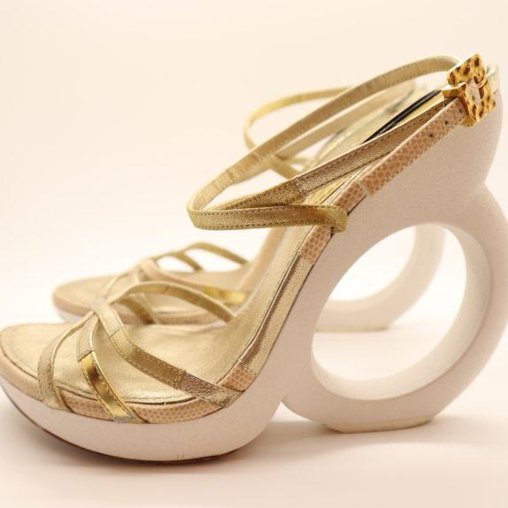Louis Vuitton Pumps gold 38