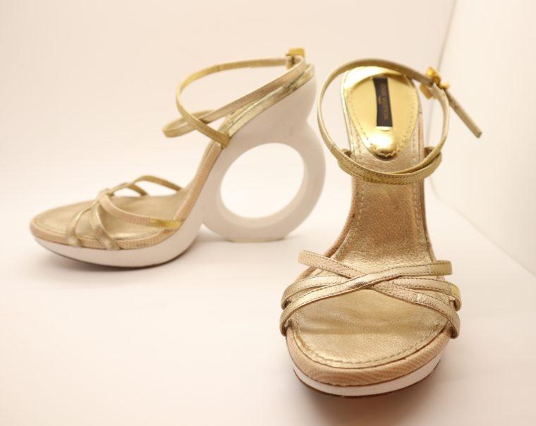 Louis Vuitton Pumps gold 38-14654