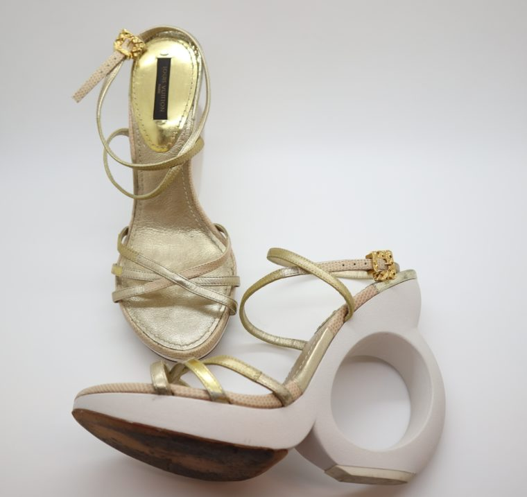 Louis Vuitton Pumps gold 38-14655