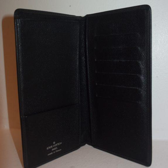 Louis Vuitton Geldbörse Taschenagenda Taigaleder schwarz