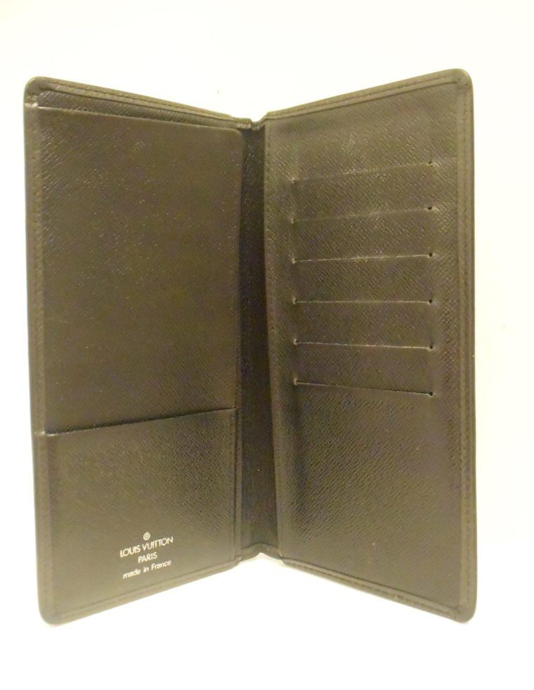 Louis Vuitton Geldbörse Taschenagenda Taigaleder schwarz-8508