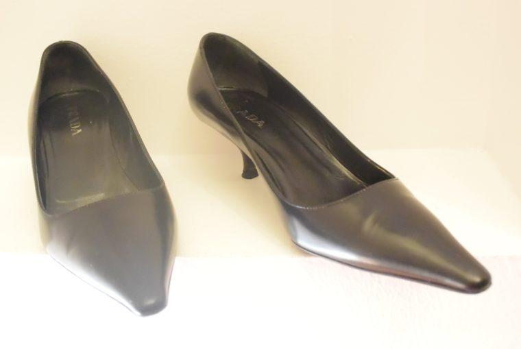 Prada Pumps schwarz Leder 36-10771