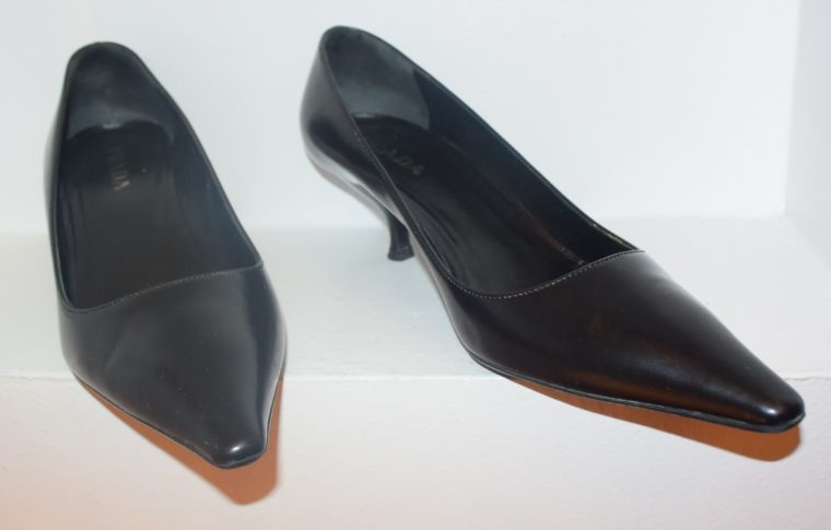 Prada Pumps schwarz Leder 36-10775