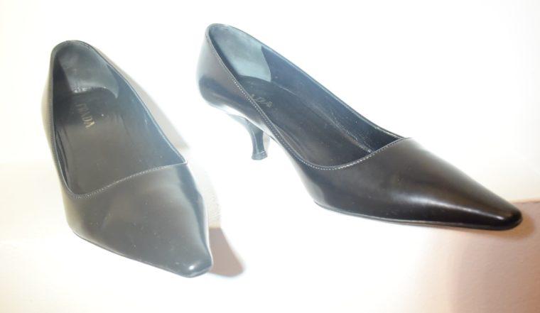 Prada Pumps schwarz Leder 36-10769