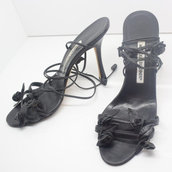 Manolo Blahnik Schuhe Pumps schwarz Blumen 37