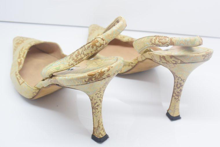 Manolo Blahnik Schuhe Pumps gold Muster 37-12445