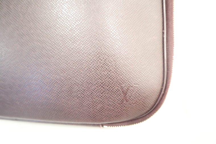 Louis Vuitton Tasche Reisetasche Porte Ordinateur Ture Taiga Leder rot-14851