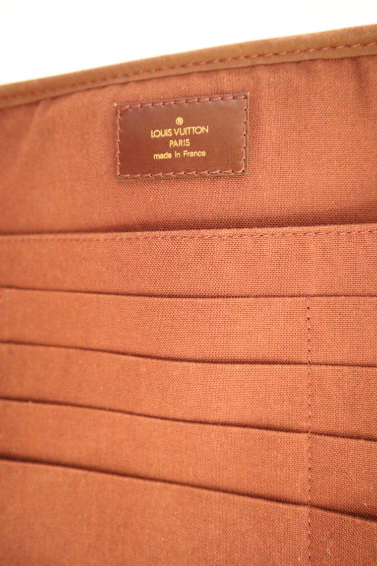 Louis Vuitton Tasche Reisetasche Porte Ordinateur Ture Taiga Leder rot-14870